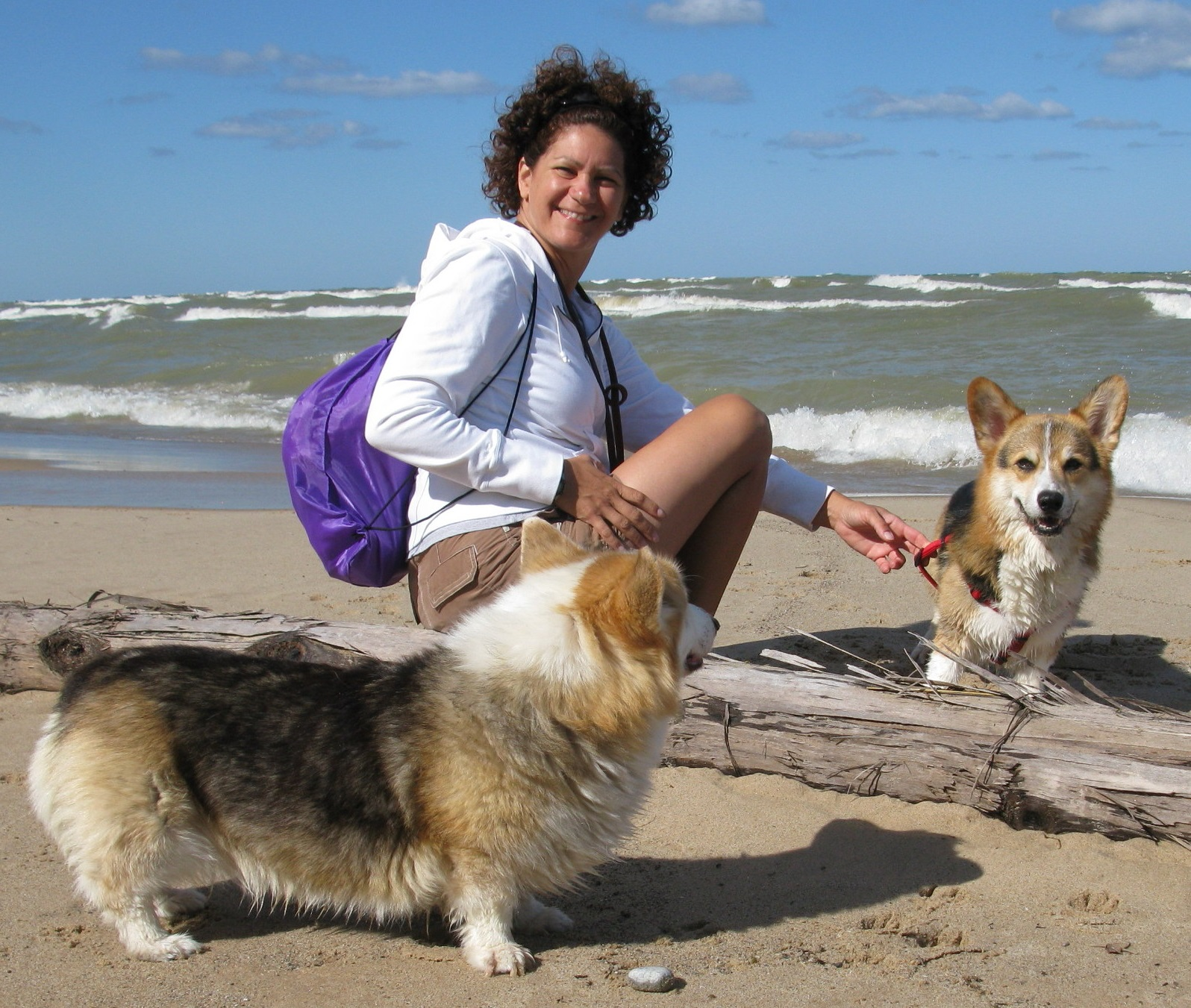 laura-with-corgis-at-the-beach21